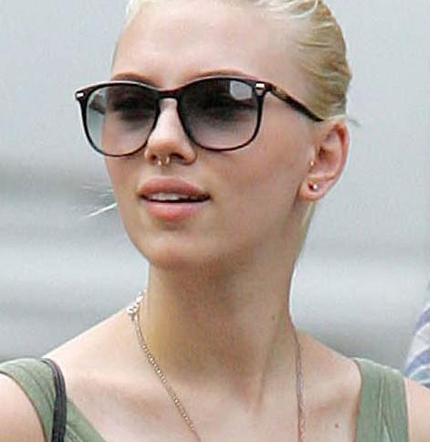 Scarlett Johansson et son piercing au septum